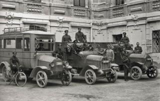 Militärautos